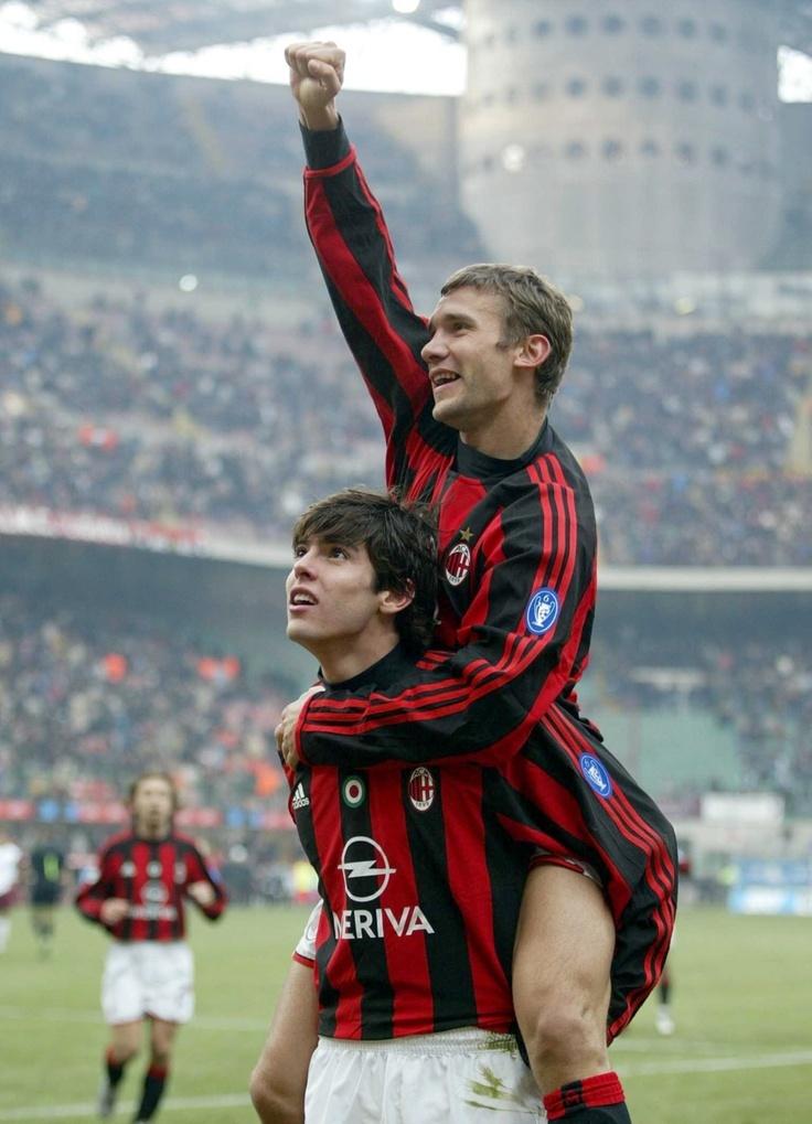 Cú hat-trick của anh vào lưới Barca ngay tại Camp Nou ở Champions League là kỷ lục chỉ mới bị phá ở mùa giải vừa qua bởi Kylian Mbappe (PSG) và nó là hộ chiếu đưa Sheva sang AC Milan