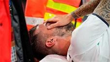 Khoảnh khắc EURO: Hậu vệ hay nhất tuyển Italia chia tay EURO trong nước mắt