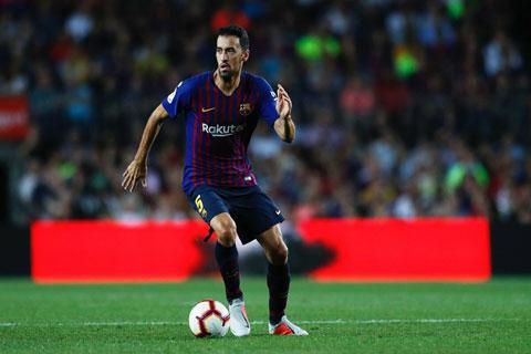Busquets sẽ ở lại Barca thêm ít nhất một mùa giải nữa