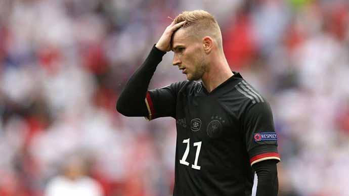 Werner bị gọi là 'thủ môn' của Chelsea và ĐT Đức
