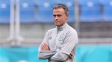 HLV Enrique sẽ cổ vũ Italia vô địch nếu Arruzzi thắng thuyết phục Tây Ban Nha
