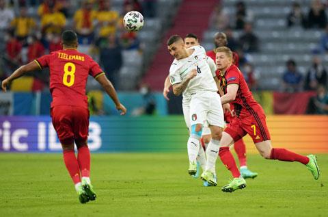 Marco Verratti (giữa) đã chơi tuyệt hay trong trận Italia loại Bỉ ở tứ kết