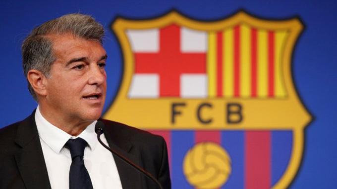 Chủ tịch Laporta đau đầu trong việc tái thiết đội bóng