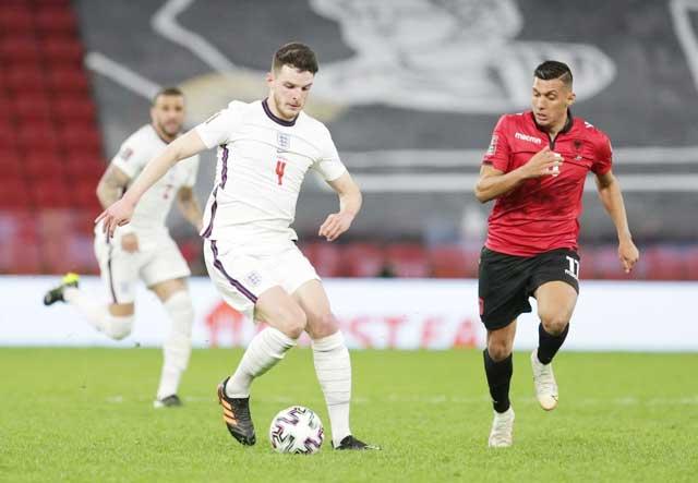Rice (trái) gây ấn tượng trong những trận đấu vừa qua của ĐT Anh