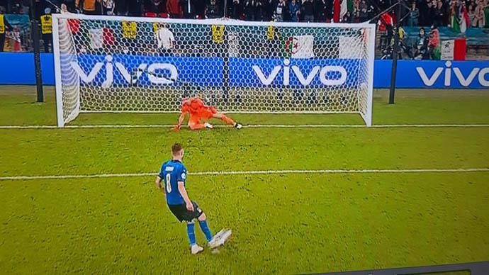 Jorginho dứt điểm lạnh như băng đưa Italia vào chung kết EURO 2020