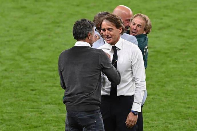 Mancini đã đánh bại Enrique ở trận bán kết EURO 2020