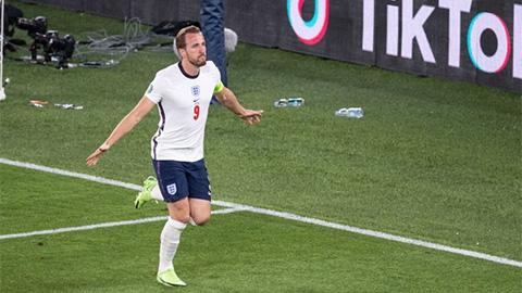 """Tường thuật Anh 2-1 Đan Mạch<span class=""""lived""""></span>"""