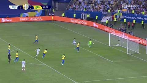 Messi bỏ lỡ cơ hội khó tin ở chung kết Copa America 2021