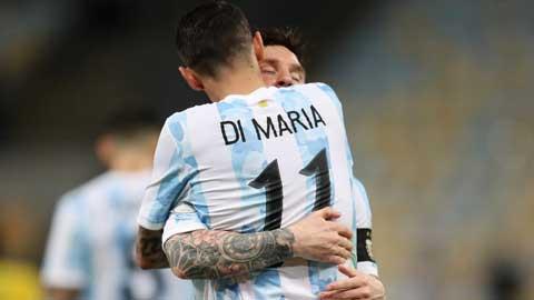 Sau 13 năm, Di Maria lại mang danh hiệu về cho Messi bằng 1 cú bấm bóng