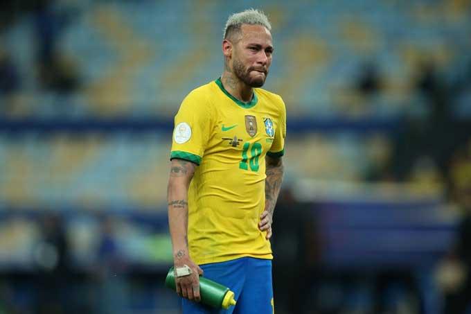 Neymar đã khóc sau khi không thể giúp Brazil đăng quang