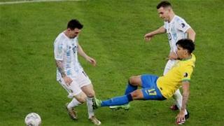 Copa America 'đãi mắt' khán giả bằng bạo lực