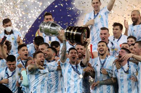 Khoảnh khắc các cầu thủ Argentina ăn mừng chức vô địch Copa America 2021