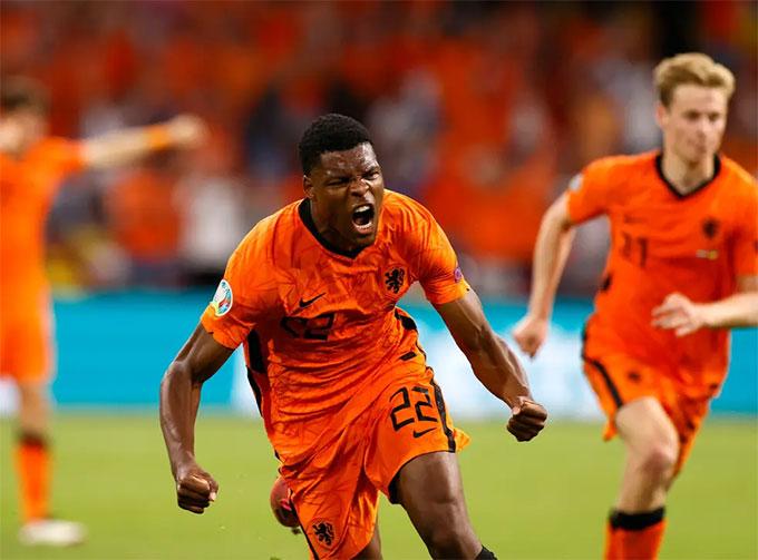 Hà Lan là một trong những đội chơi với hàng thủ 3 người ở EURO 2020