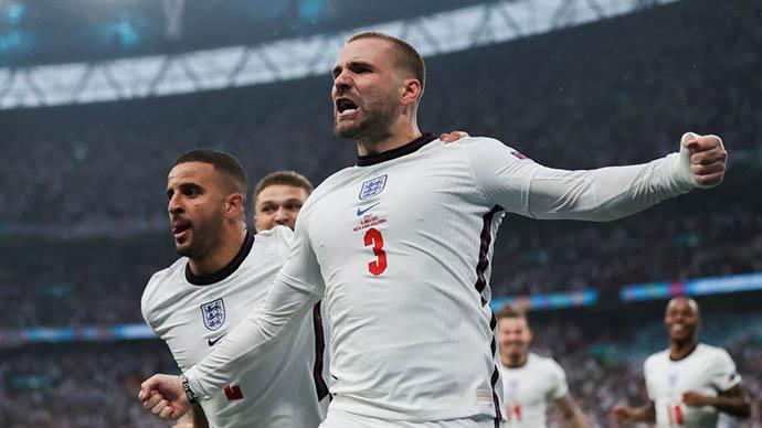 Shaw ghi bàn nhanh nhất lịch sử chung kết EURO