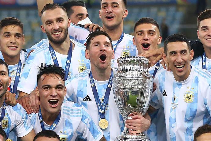 Lautaro Martinez cùng Argentina vô địch Copa America 2021