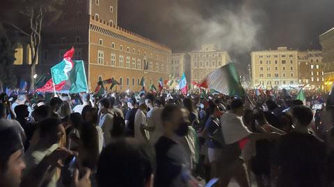 EURO 2020: Đêm không ngủ ở Rome