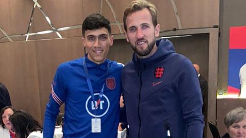 Gạt nỗi buồn thua trận, ĐT Anh mở tiệc ngay tại Wembley
