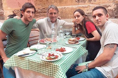 Các con của Mancini không phản đối chuyện ông xây dựng hạnh phúc mới