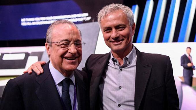 Mourinho (phải) cũng là nạn nhân của Perez