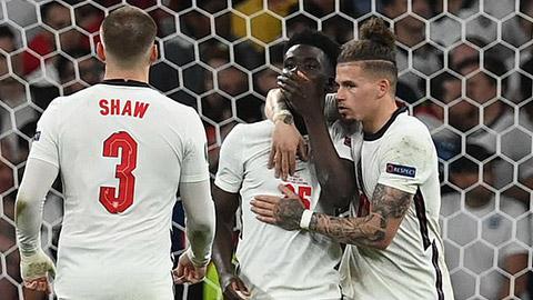 Saka lên tiếng sau cú đá luân lưu không thành công khiến Anh mất chức vô địch EURO