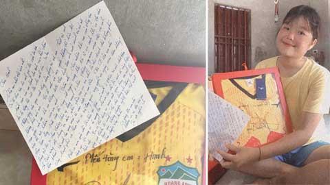 Minh Vương đã viết thư động viên và tặng nữ tuyển thủ Trần Thị Hạnh