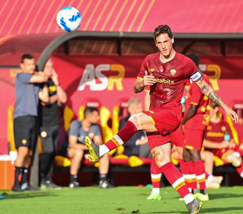 Ngôi sao trẻ Nicolo Zaniolo bất ngờ được trao băng thủ quân ở trận đấu mới nhất của AS Roma
