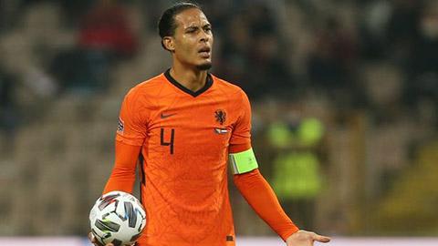 Van Dijk cầm đầu nhóm cầu thủ Hà Lan tẩy chay Van Gaal