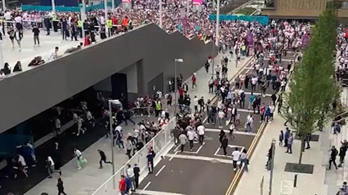 5000 fan đã vào sân 'xem chùa' trận Anh thua Italia ở chung kết EURO 2020