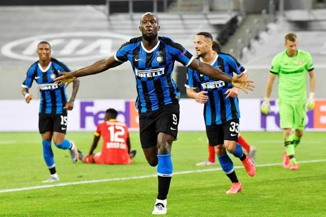 Romelu Lukaku chắc chắn vẫn là chân sút chủ lực của đội chủ sân Giuseppe Meazza ở mùa tới