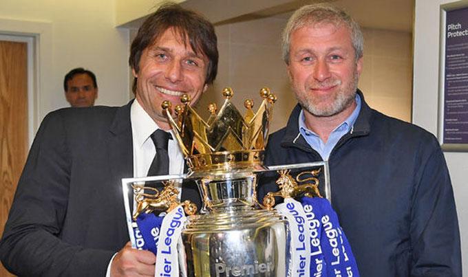 Không cam phận chia sẻ quyền lực, Conte đã phải rời Stamford Bridge