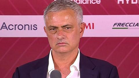Mourinho dùng thiết bị bay không người lái cho các buổi tập của Roma