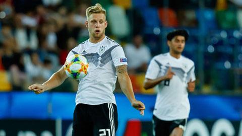 Tiền vệ Arne Maier của Olympic Đức