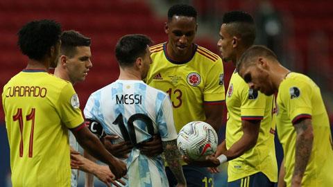 Bị chế nhạo, Yerry Mina vẫn khẳng định luôn tôn trọng Messi