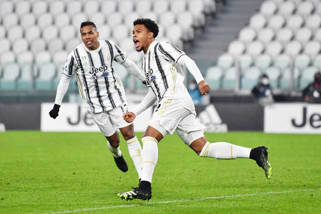 McKennie (phải) ghi được 6 bàn thắng cho Juve ở mùa trước