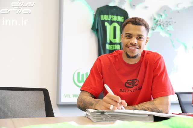 Nmecha đặt bút ký hợp đồng với Wolfsburg và sẽ đeo áo số 10