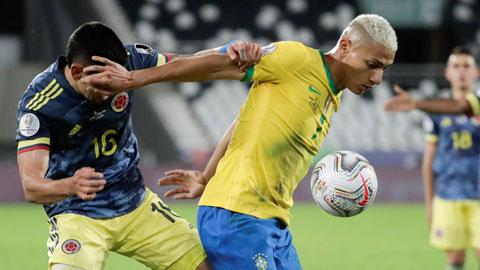 Richarlison (phải) sẽ là nguồn cảm hứng của Brazil tại Olympic Tokyo