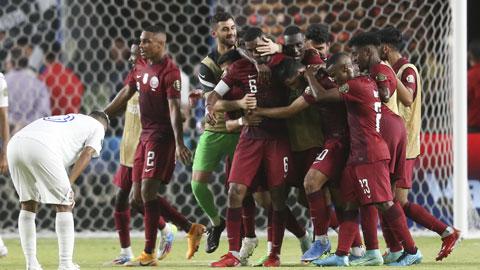 Các cầu thủ Qatar ăn mừng thắng lợi 2-0 trước Honduras tại Gold Cup 2021
