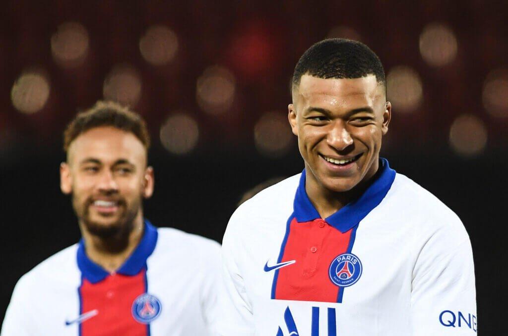 Sự lộng hành của PSG trong mùa Hè 2021 khiến người ta nhớ đến mùa Hè 2015 với 2 siêu phẩm bom tấn là Neymar và Mbappe