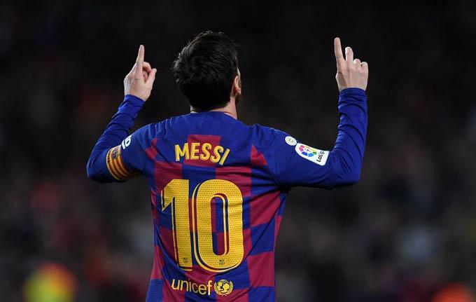 1. Messi (Barcelona):Sau 778 trận khoác áo Barcelona, Lionel Messi ghi 672 bàn và có 305 kiến tạo. Bên cạnh đó, Messi cũng có 76 bàn trong 151 trận ra sân cho tuyển quốc gia. Là chân sút vĩ đại nhất lịch sử Argentina. Liên đoàn Thống kê và Lịch sử Bóng đá Thế giới (IFFHS) xác nhận Messi hiện có 748 bàn trong sự nghiệp, đứng thứ 4 trong danh sách ghi bàn hàng đầu