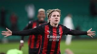 Bán sớm Hauge, Milan sẽ hớ nặng?