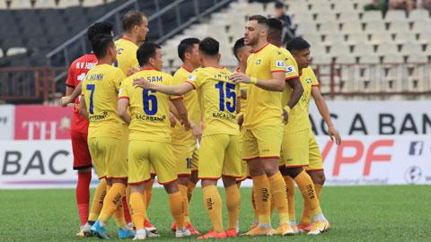 Các CLB V.League vẫn chưa giảm lương