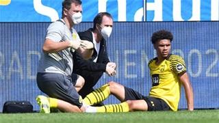 Dortmund 'cháy' trung vệ
