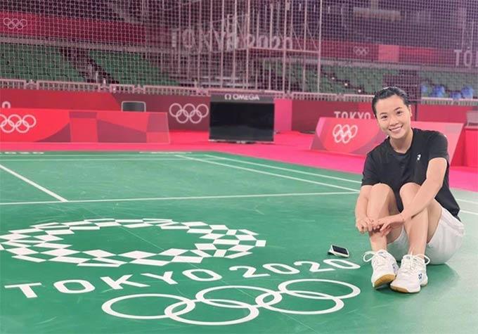 Thuỳ Linh giành được trận thắng đầu tiên tại Olympic. Ảnh: Thu Sâm