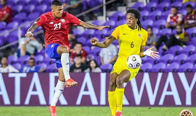 Jose Ortiz đá chính cho Costa Rica ở trận thắng Guadeloupe 3-1