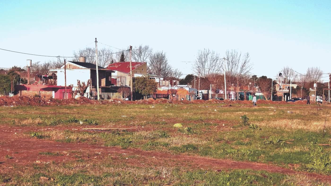 Tuổi thơ của Aguero gắn liền với các potrero - những sân bóng phủi gồ ghề