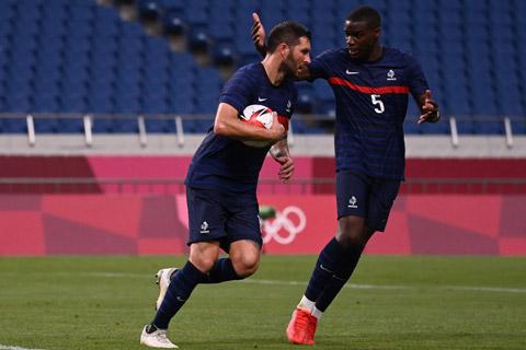 Gignac ghi 3 bàn và kiến tạo 1 bàn trong trận thắng 4-3 trước Nam Phi