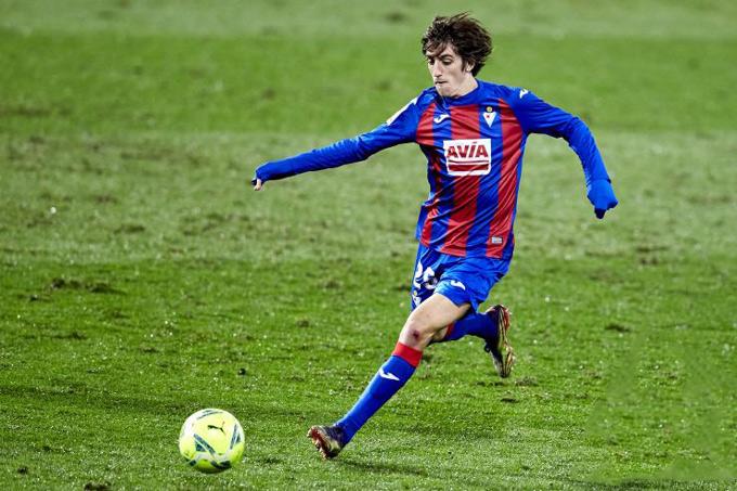 Bryan Gil thi đấu đầy ấn tượng trong màu áo Eibar ở mùa giải trước