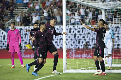 Mexico đang có phong độ cực tốt khi chưa để thủng lưới bàn nào từ đầu giải