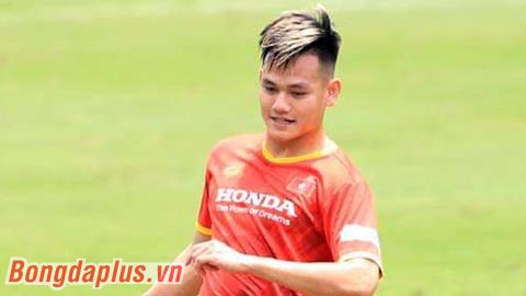 Hồ Tấn Tài rèn sút phạt để cạnh tranh với Văn Thanh, Trọng Hoàng trên ĐT Việt Nam