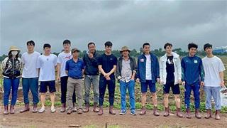 Bầu Đức, Kiatisak, Công Phượng đi trồng cây sầu riêng